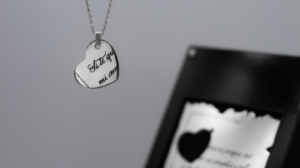 joya palabras platino plata corazon placa